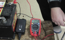 Заряжаем аккумулятор без зарядного устройства