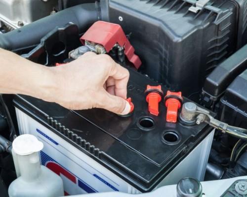 Как правильно проверить аккумулятор автомобиля на работоспособность?