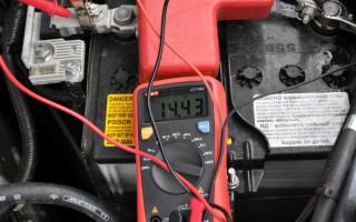 Какое напряжение должно быть на аккумуляторе?