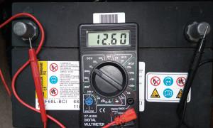 Какое должно быть напряжение у аккумулятора автомобиля