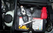 Установка и снятие аккумулятора автомобиля
