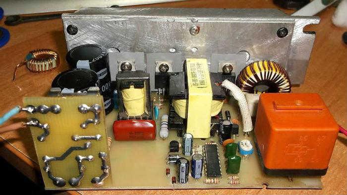 Импульсное зарядное устройство аккумулятора