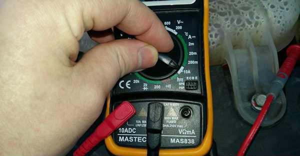Как проверить утечку тока на автомобиле мультиметром?